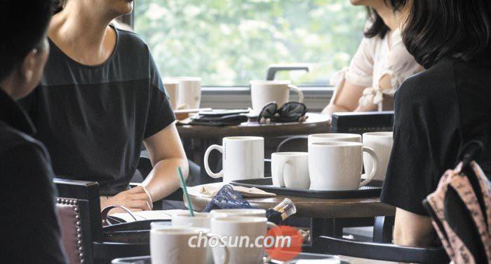 카페 머그잔.jpg